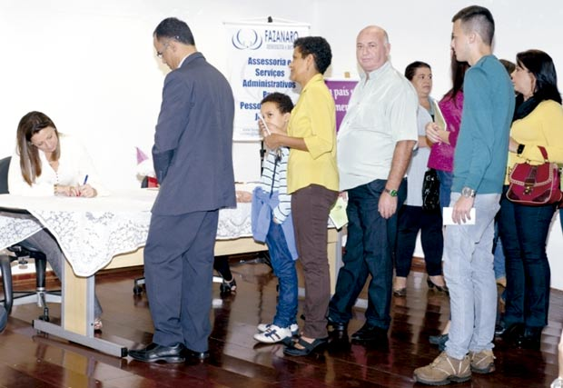 Gisele recebeu autoridades e amigos em cerimônia na quarta-feira (Foto: Assessoria de Imprensa da CMI)