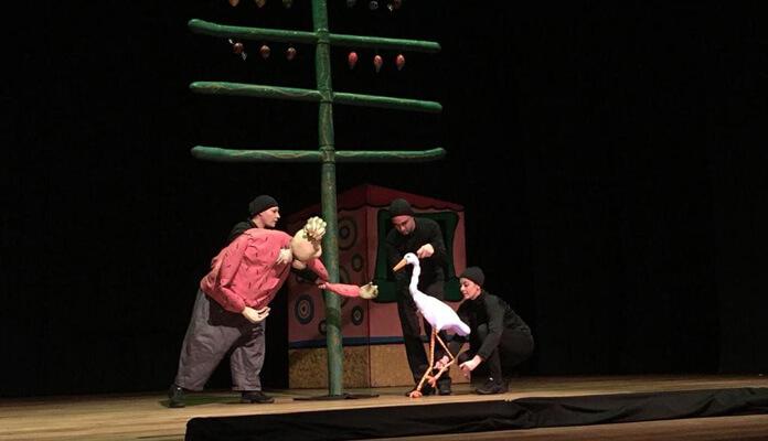 Crianças estão lotando o Teatro aos sábados; próxima peça é dia 6/10 (Foto: Assessoria de Imprensa da PMI)