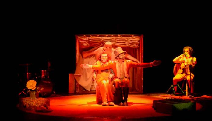 """Peça se chama """"Palhaçadas: história de um circo sem lona"""" e começa às 16h (Foto: Divulgação)"""