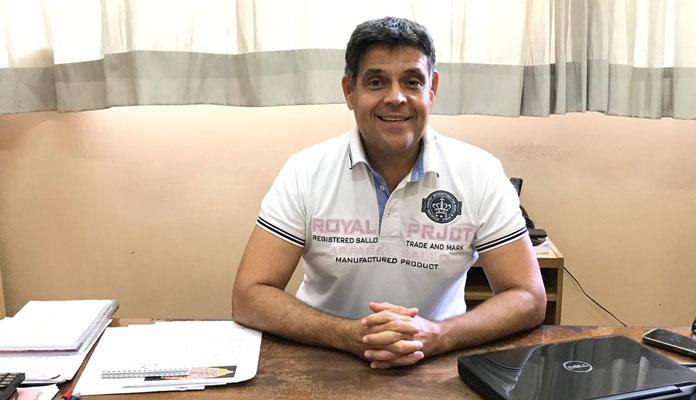 Reinaldo agradece ArcelorMittal e Amaci. Em 2019, grupos profissionais de teatro trouxeram para a cidade espetáculos aplaudidos em todo o país (Foto: Divulgação)