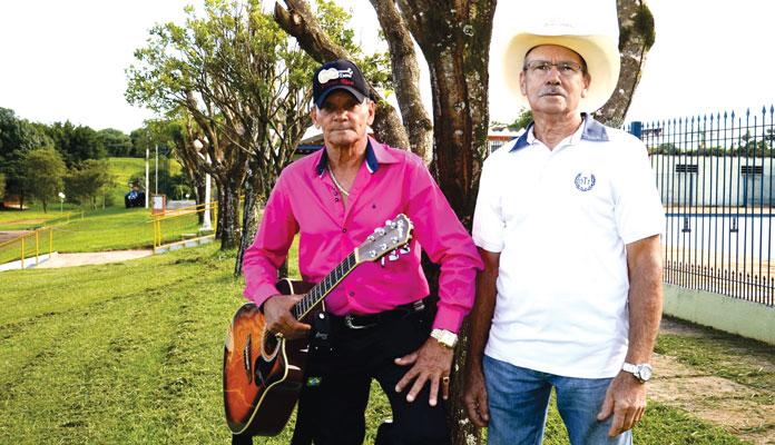 Dupla vai tocar moda de viola e sertanejo raiz a partir das 20h (Foto: Divulgação)