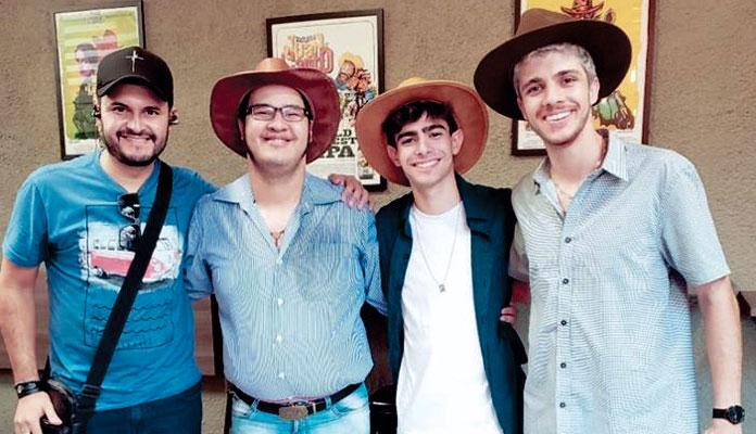 Texas Boys faz show no dia 21; visita à Casa do Papai Noel vai de 8 a 23 (Foto: Divulgação)