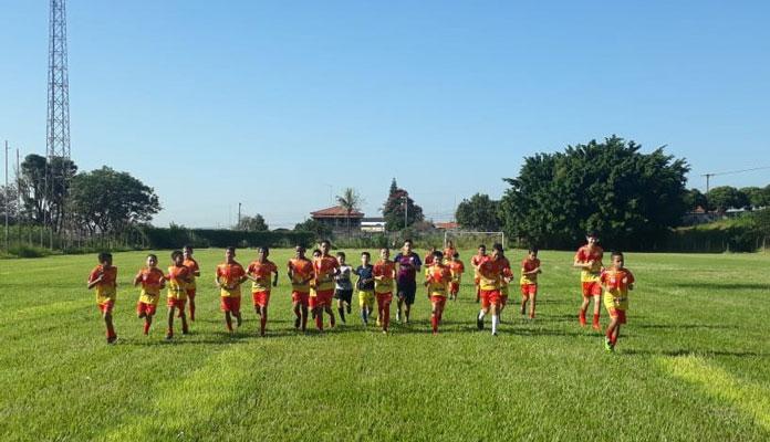 Atividade esportiva atende a faixa-etária de 7 a 15 anos (Foto: Divulgação)