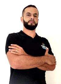 João Cleber Prof. de Educação Física, Especialista em Biomecânica do Movimento Coach de Crossfit, Empresário e Proprietário da Tribos Academia