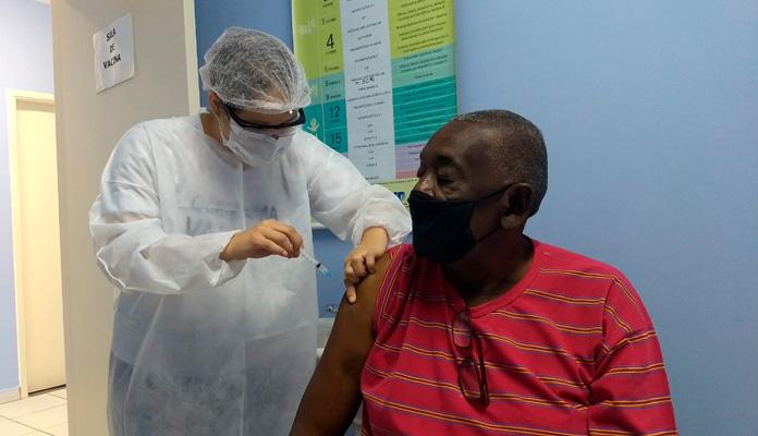 130 idosos foram vacinados no sábado passado (Foto: Divulgação)
