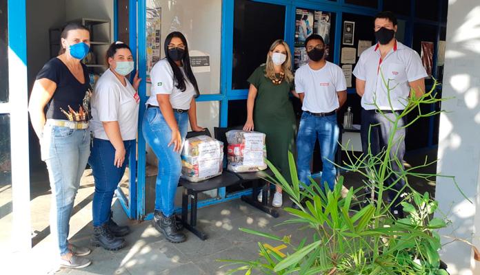 Itens foram recebidos pela coordenadora da Promoção Social, Márcia Baldini (Foto: Divulgação)