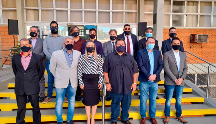Devido aos protocolos de saúde, ato cívico contou apenas com a presença de autoridades de Executivo e Legislativo (Foto: Divulgação)