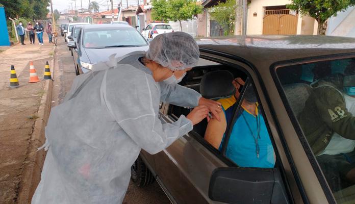 Vacinação ocorrerá no por meio de Drive Thru (Foto: Divulgação)