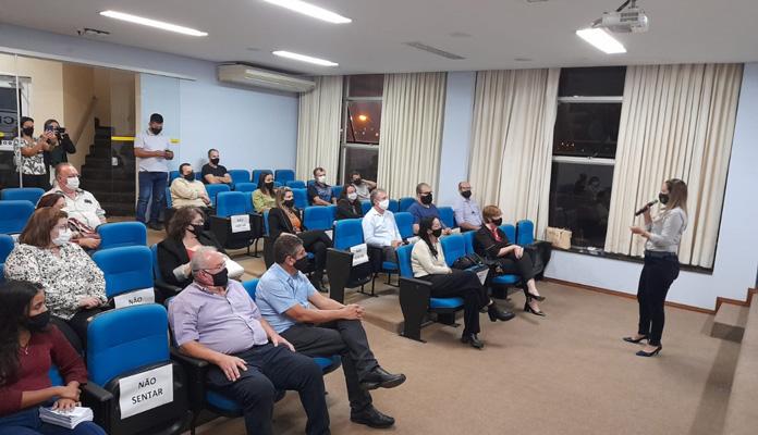 """Evento """"Retomada da Economia"""" reuniu empresários locais, representantes da Prefeitura e da Aciai (Foto: Divulgação)"""