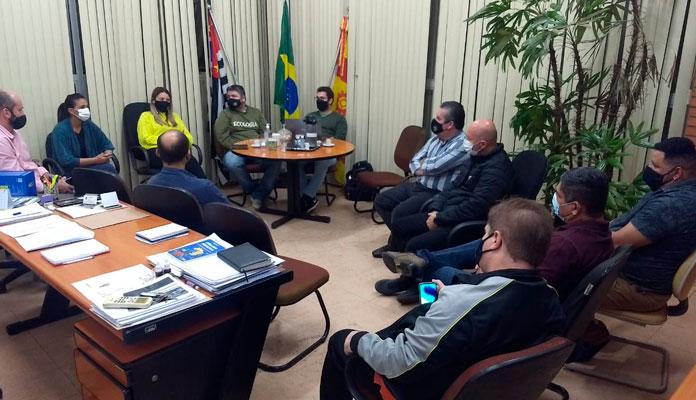 Prefeita se reuniu com vereadores para discutir o assunto (Foto: Divulgação)