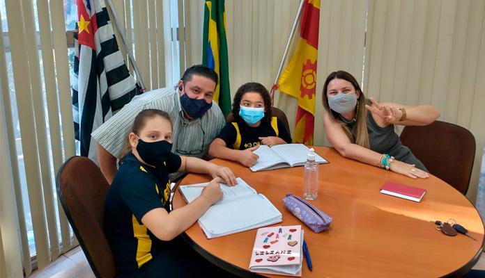 """""""Fizemos diversas perguntas e conhecemos cada setor da prefeitura'' (Foto: Divulgação)"""