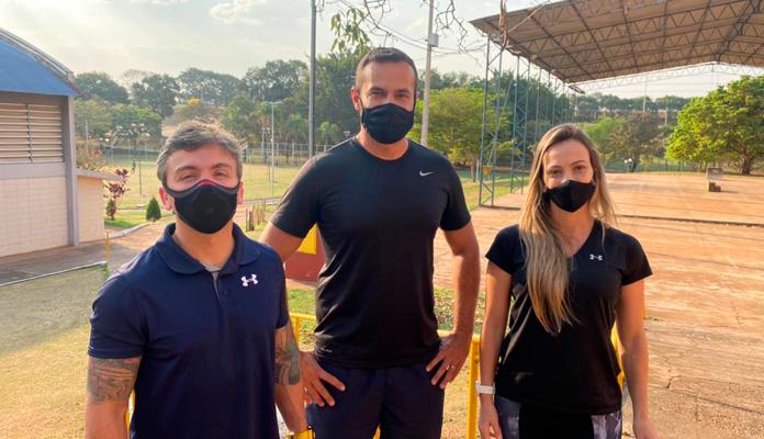 Atleta do Karatê visitou o setor de esportes para conhecer projetos da cidade (Foto: Divulgação)