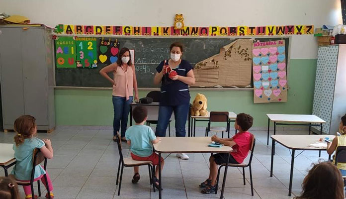A ação já começou e é realizada pelas dentistas e auxiliares de dentistas do município (Foto: Divulgação)